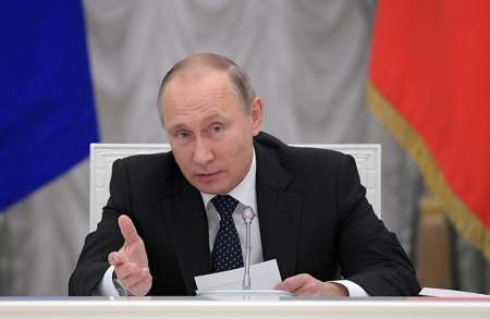 Путин поручил обеспечить принятие законов, необходимых для введения новых выплат на детей в 2018 году
